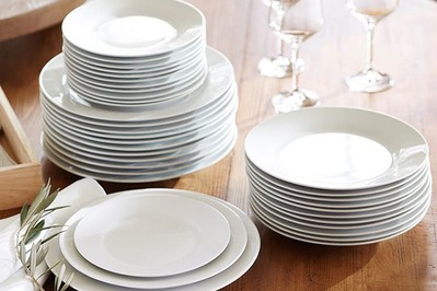Pottery Barn Caterer's Dinner Plate Set