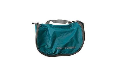 13a2e828e7 Sea to Summit Travelling Light Hanging Toiletry Bag