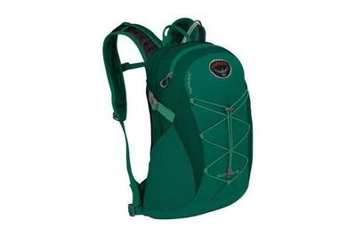7c10ae83cb89 The Best Hydration Packs for Day Hikers  Reviews by Wirecutter