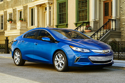 2016 Chevrolet Volt_20171003 231547_fullsize the best plug in hybrid wirecutter reviews a new york times company 2017 chevy volt fuse box at panicattacktreatment.co